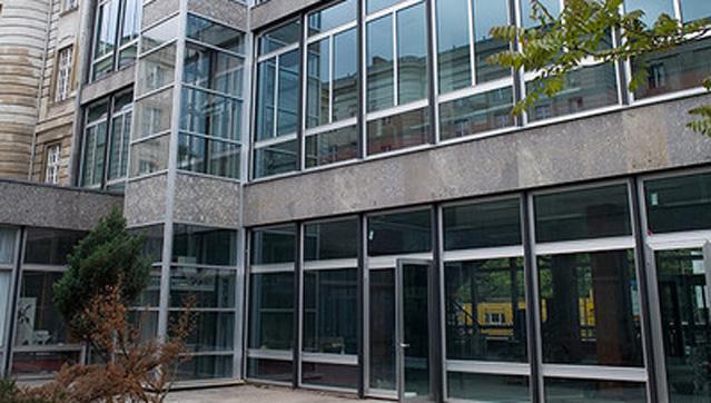 Alustahl_Stadtbibliothek_Montage_Fenster_Tueren